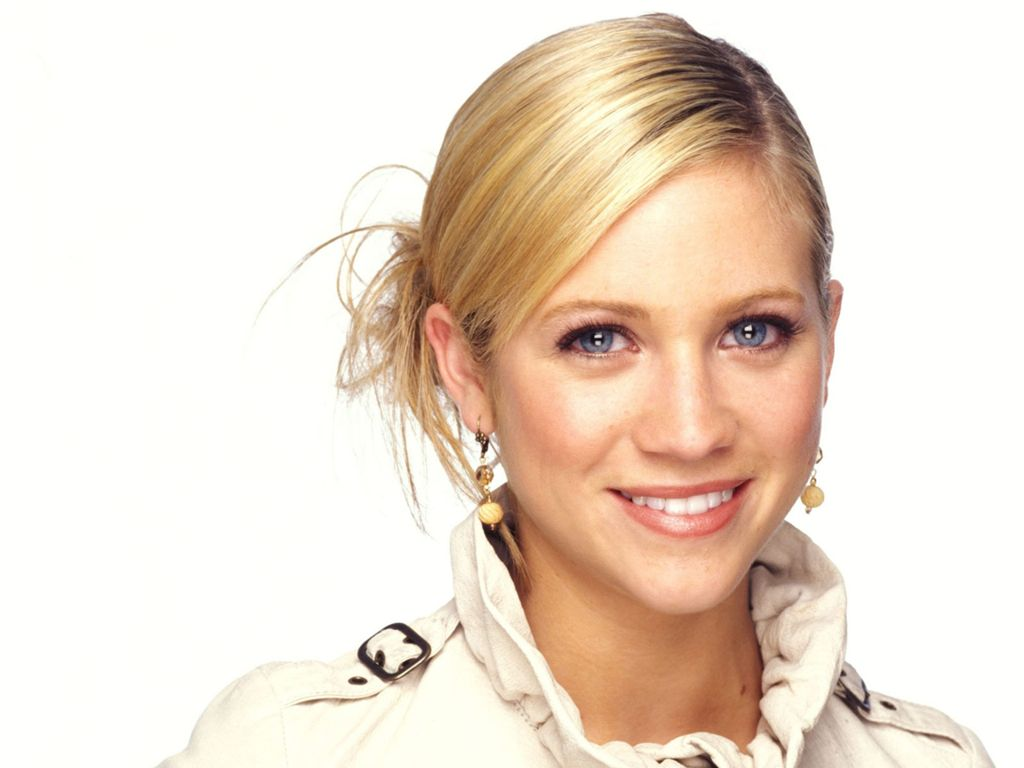 Brittany Snow Hot model HD photo wallpapers 2012