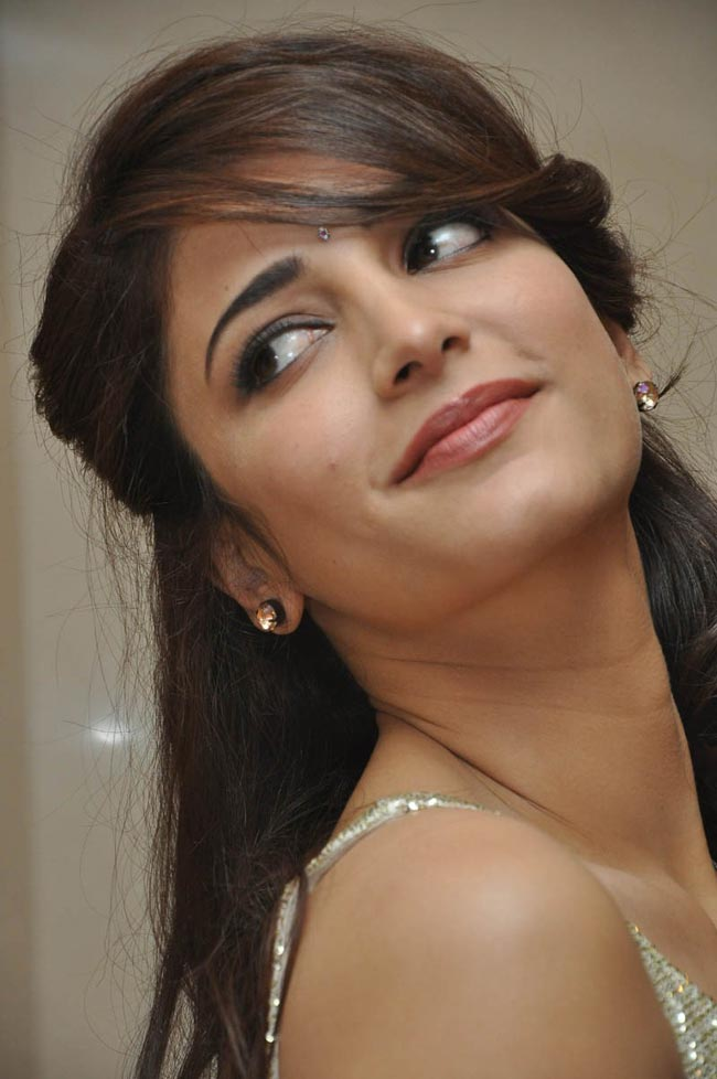 images of shruthi hassan