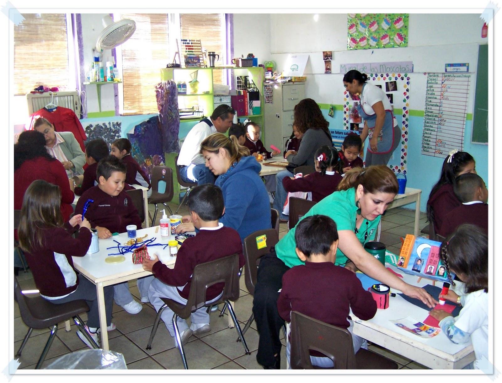 Mi mundo estancia infantil y jardin de ni os padres for Actividades en el salon de clases