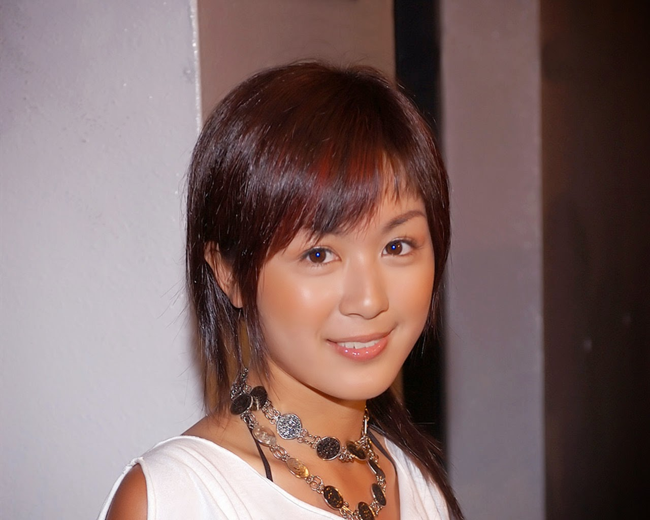Leila Tong Hd Wallpapers Free Download