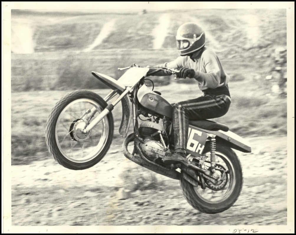 September 1983 DIRT BIKE Magazine motocross moto x racer action mx AHRMA