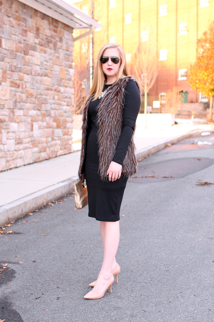 Leith long sleeve midi dress, nordstrom savvy, blogger style, boston fashion blogger, faux fur vest, nude pumps and black dress,