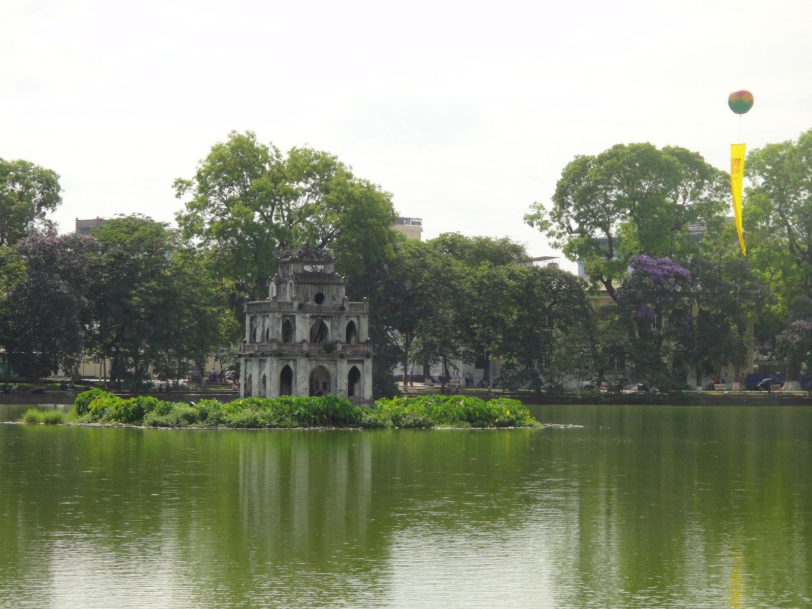 hoan kiem lake hanoi vietnam travel pictures. Black Bedroom Furniture Sets. Home Design Ideas