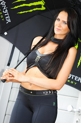 Aksi Umbrella Girls MotoGP Jerman 2013