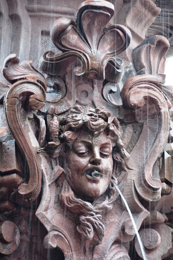 Neumarkt Wuppertal Neptunus Fountain