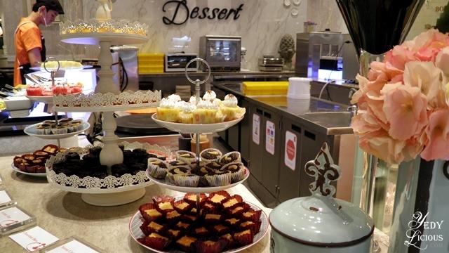 Desserts / Four Seasons Cubao