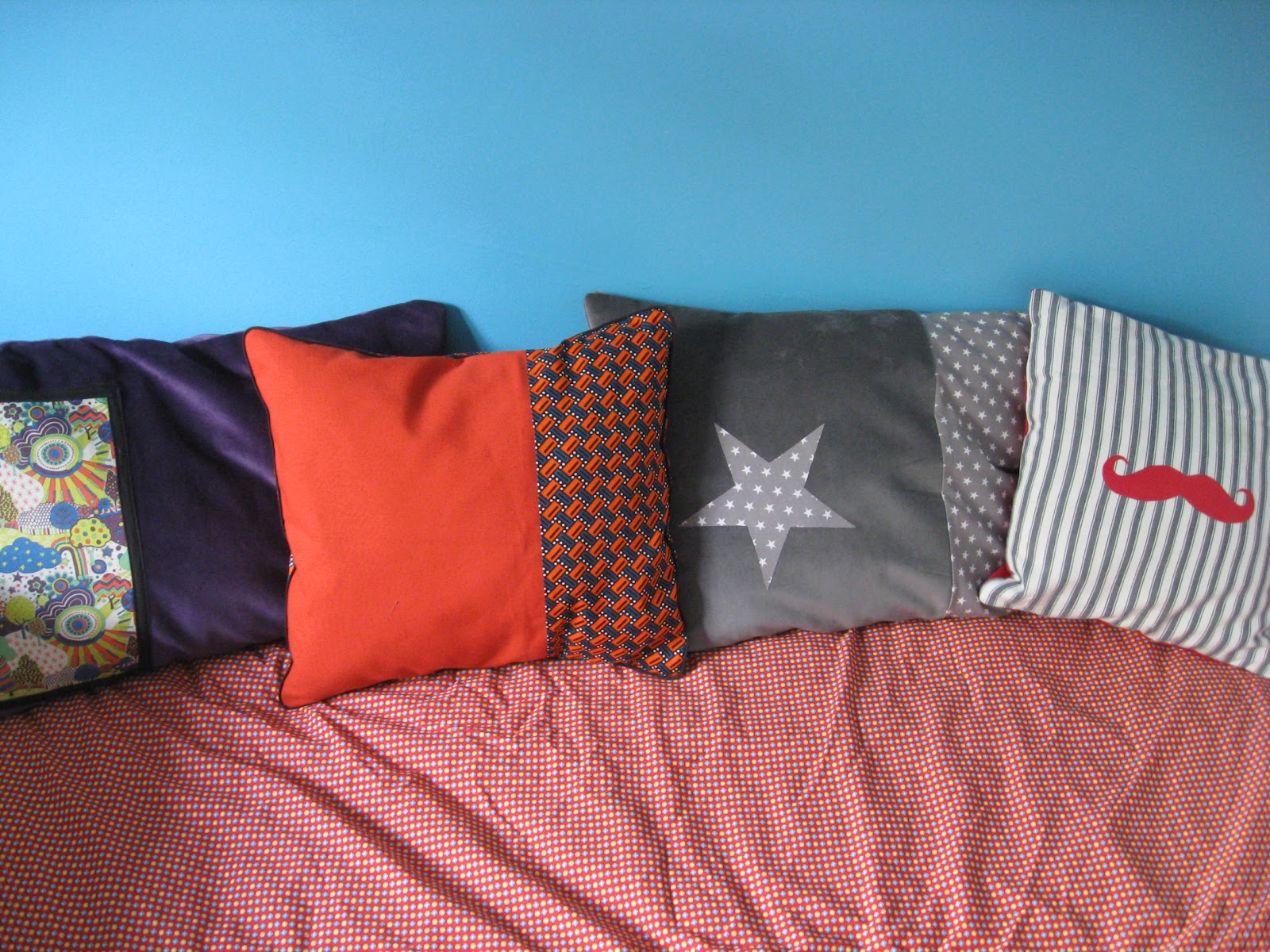 francine et rosalie le coussin ethnique chic. Black Bedroom Furniture Sets. Home Design Ideas