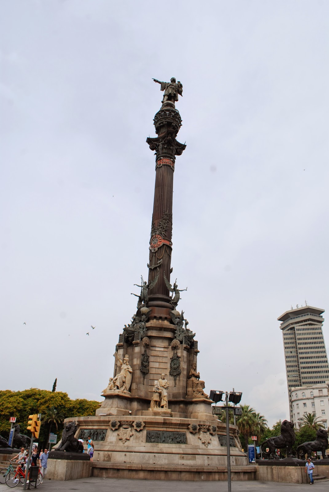Монумент Колумбу, Барселона, Каталония, Испания. Monument of Columbus, Barcelona, Catalonia, Spain