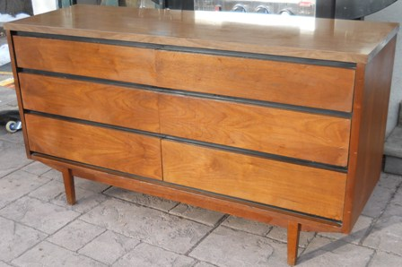 Captivating There Are Stanley Furniture Flat Front / No Hardware Dressers Out There    Most Have Laminate Tops Like This One