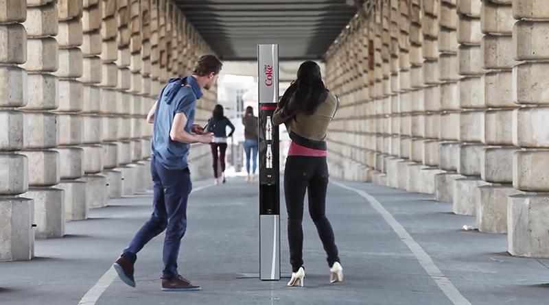 Coca Cola: The Slender Vender, la máquina expendedora más delgada del mundo