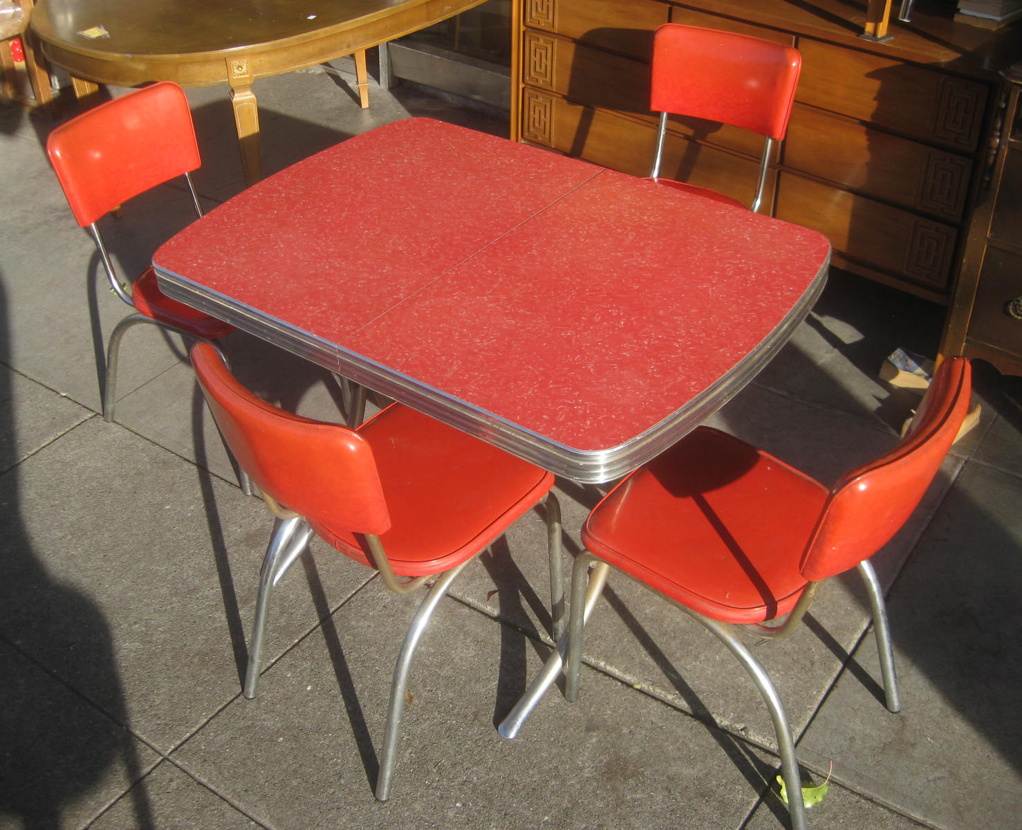 uhuru furniture collectibles sold red 1950s kitchen table and chairs 175. Black Bedroom Furniture Sets. Home Design Ideas
