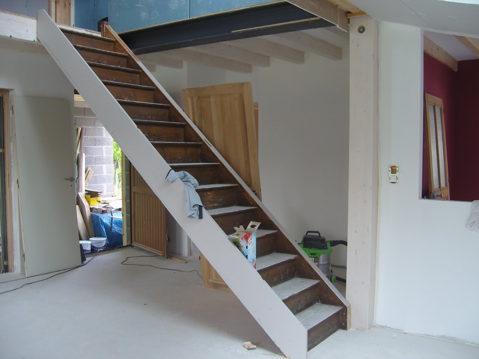 Peindre escalier bois en gris - Peindre un escalier en bois en blanc ...