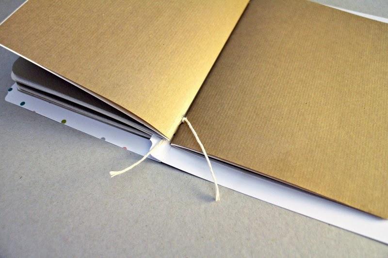 Bindetechnik zum DIY Sketchbook Tutorial aus Memory Files von Martina für www.danipeuss.de