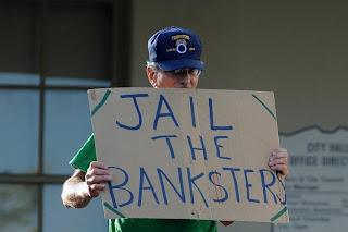 �?ο Δημόσιο χαρίζει 33 δισ. σε νέους τραπεζίτες