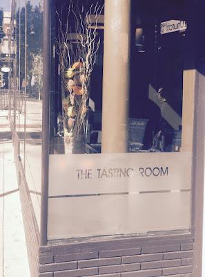 trrestaurant, the tasting room, fall 2015, decor, flowers, pumpkins, loriannmd, lori tauraso, decor, shopping, downtown frederick , nova, md, va, baltimore, sass magazine frederick,