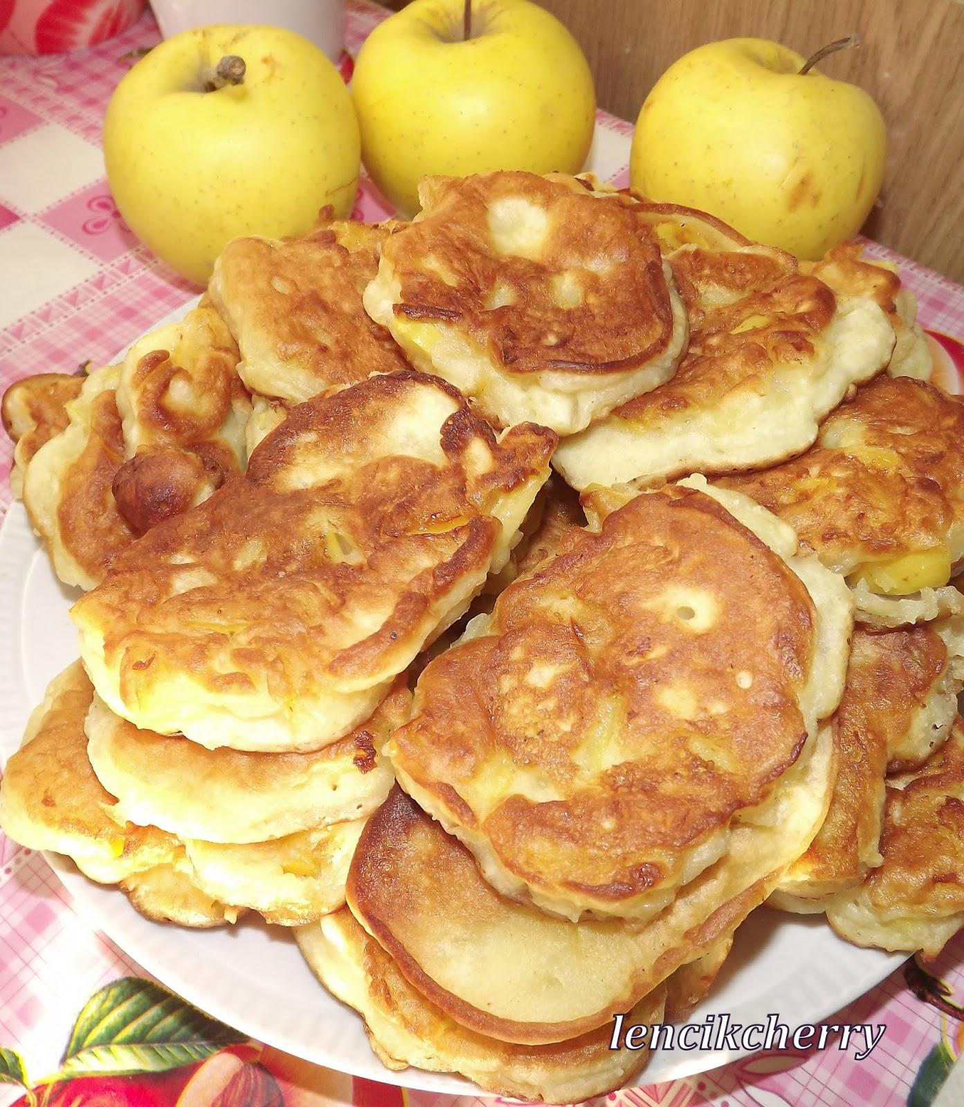Оладушки на кефире пышные рецепт пошагово с яблоком