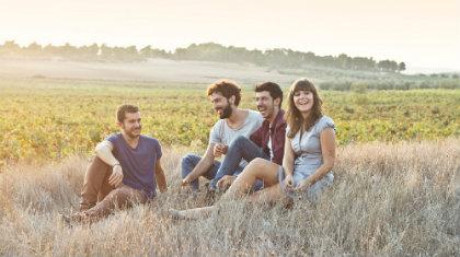 ¿Por qué tenemos más confianza a nuestros amigos? - www.todoporamor.net
