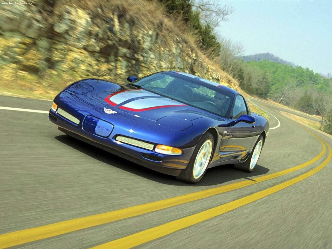 http://2.bp.blogspot.com/-B1eGweJ1eIc/TYCRi22gP7I/AAAAAAAANq8/sFi4X8MaENA/s1600/Chevrolet-Corvette_Z06_Commemorative_Edition_2004_1280x960_wallpaper_05.jpg