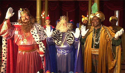 El color comunica los tres magos de oriente 6 de enero d a de reyes magos - Casas de disfraces en valencia ...