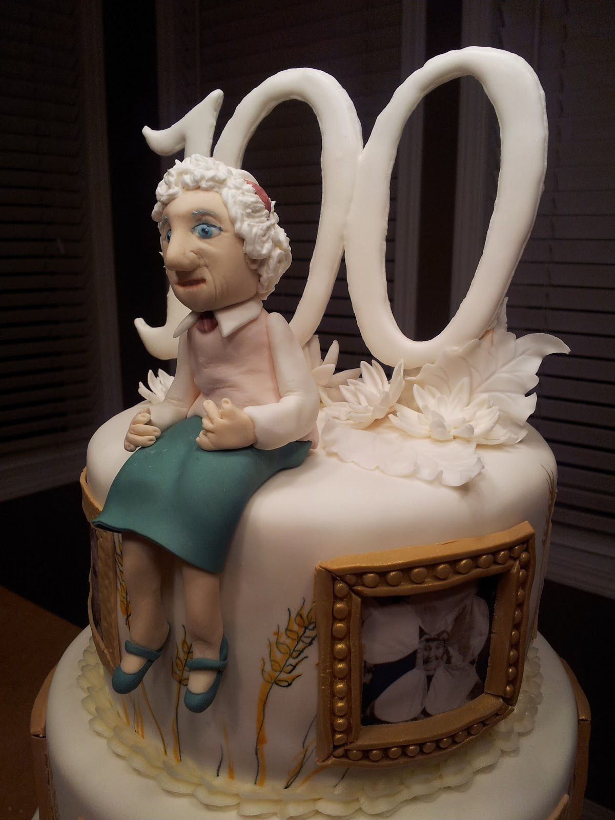 Cake Decorating Ideas For A 90 Year Old : Kiddles  N Bits: 100th Birthday Cake