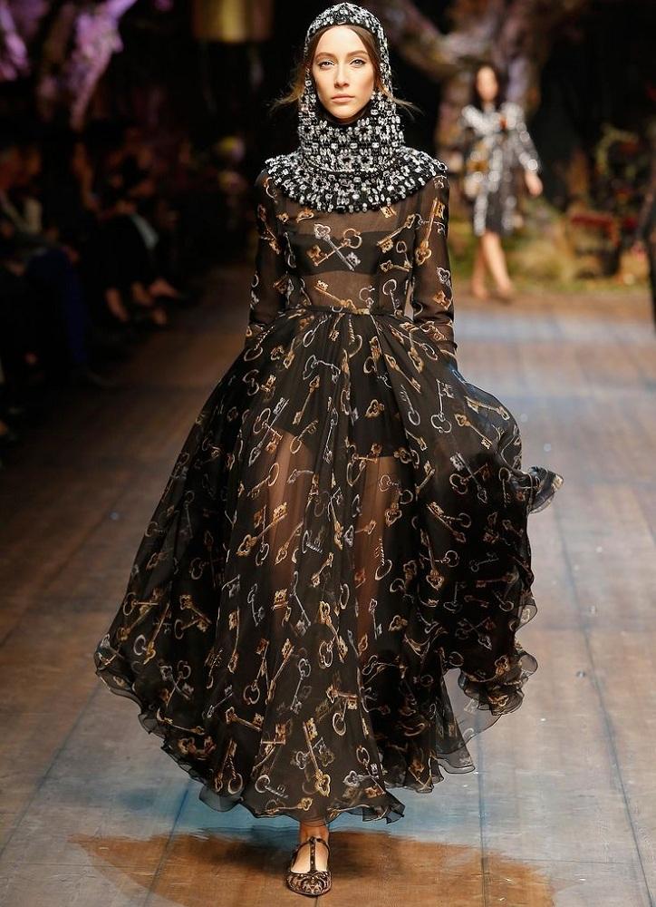 Toque Sensual  Dolce   Gabbana lança sua primeira coleção para ... be089d78ac