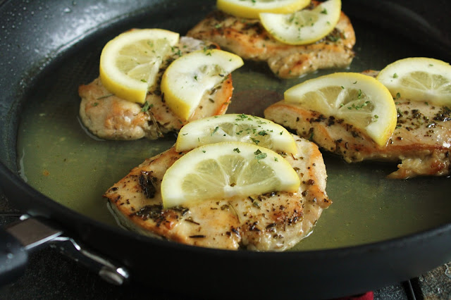 Low-FODMAP Lemon Herb Skillet Chicken