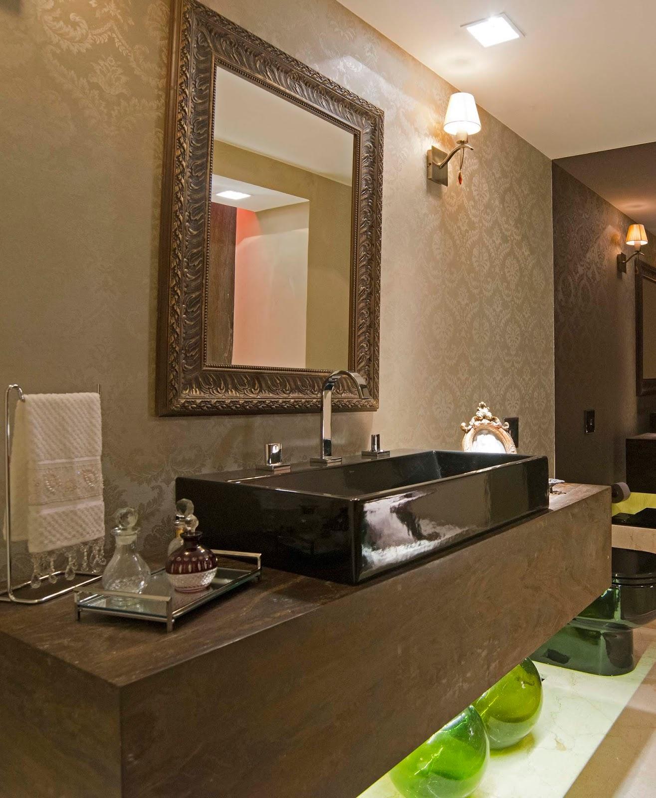 decoracao de lavabos antigos: Clean: Lavabos/Banheiros Clássicos com  #89B318 1315x1600 Banheiro Antigo Decoração