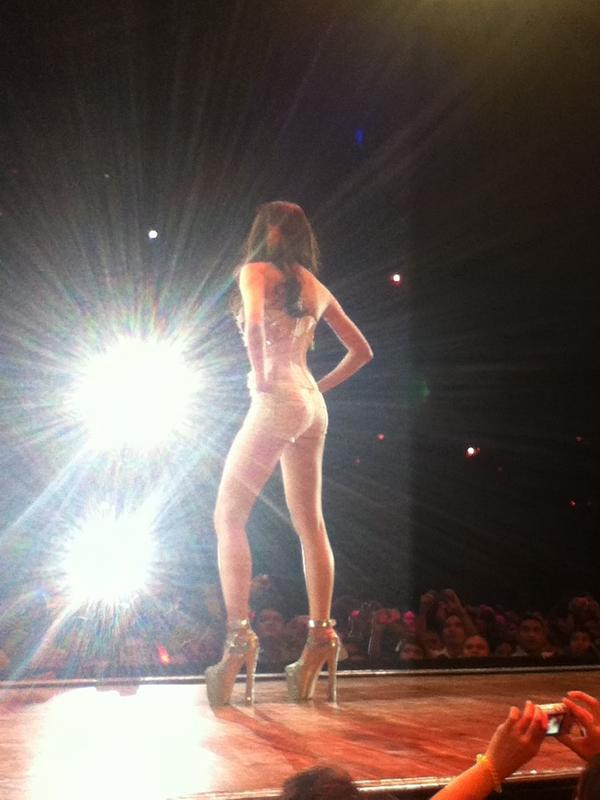 kim chiu bench universe fashion show 03