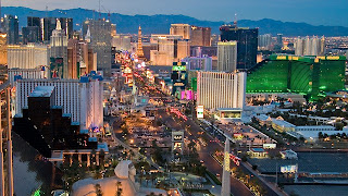 Gorgeous nightview of the Las Vegas Strip via helicopter tour.
