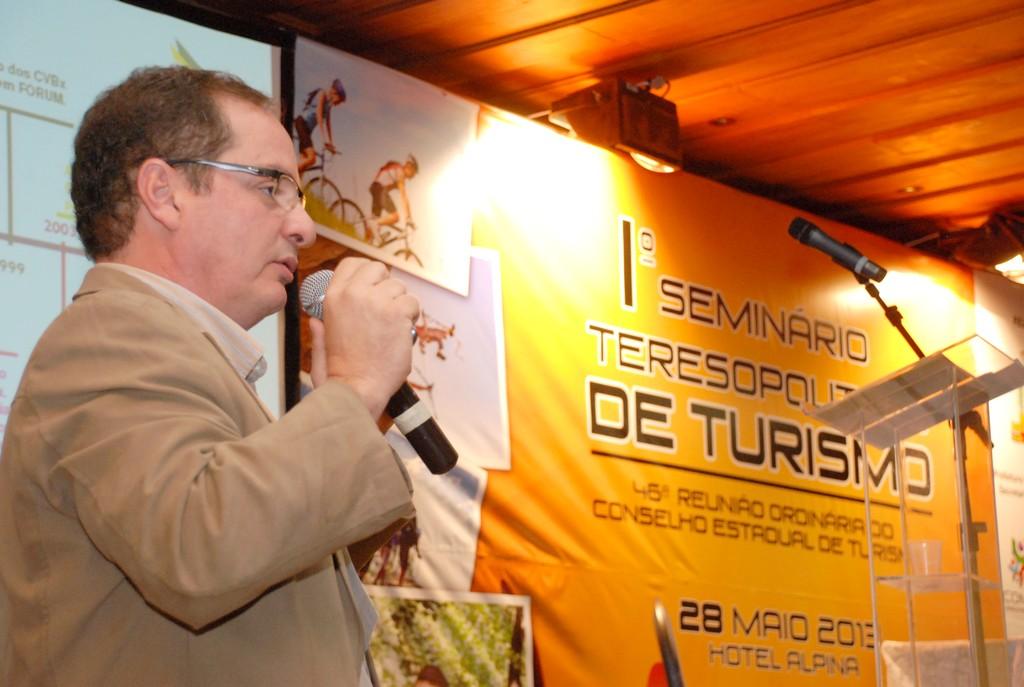 Palestra do presidente da Federação de Convention, Marco Navega