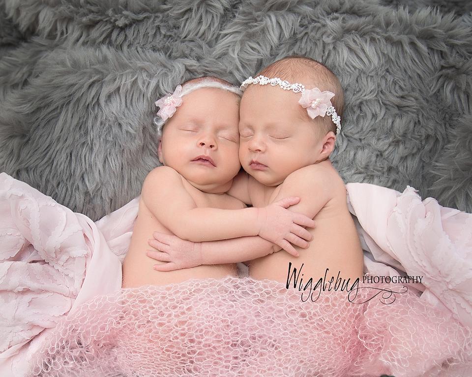 Newborn Twin girls , professional photographer Dekalb, Sycamore, IL near Geneva, IL