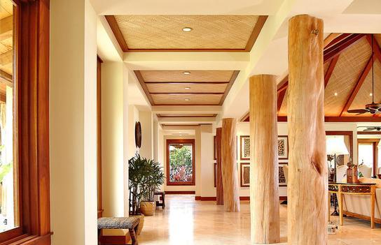 Fotos de techos techos con pilares rollizos madera - Techos decorativos de madera ...
