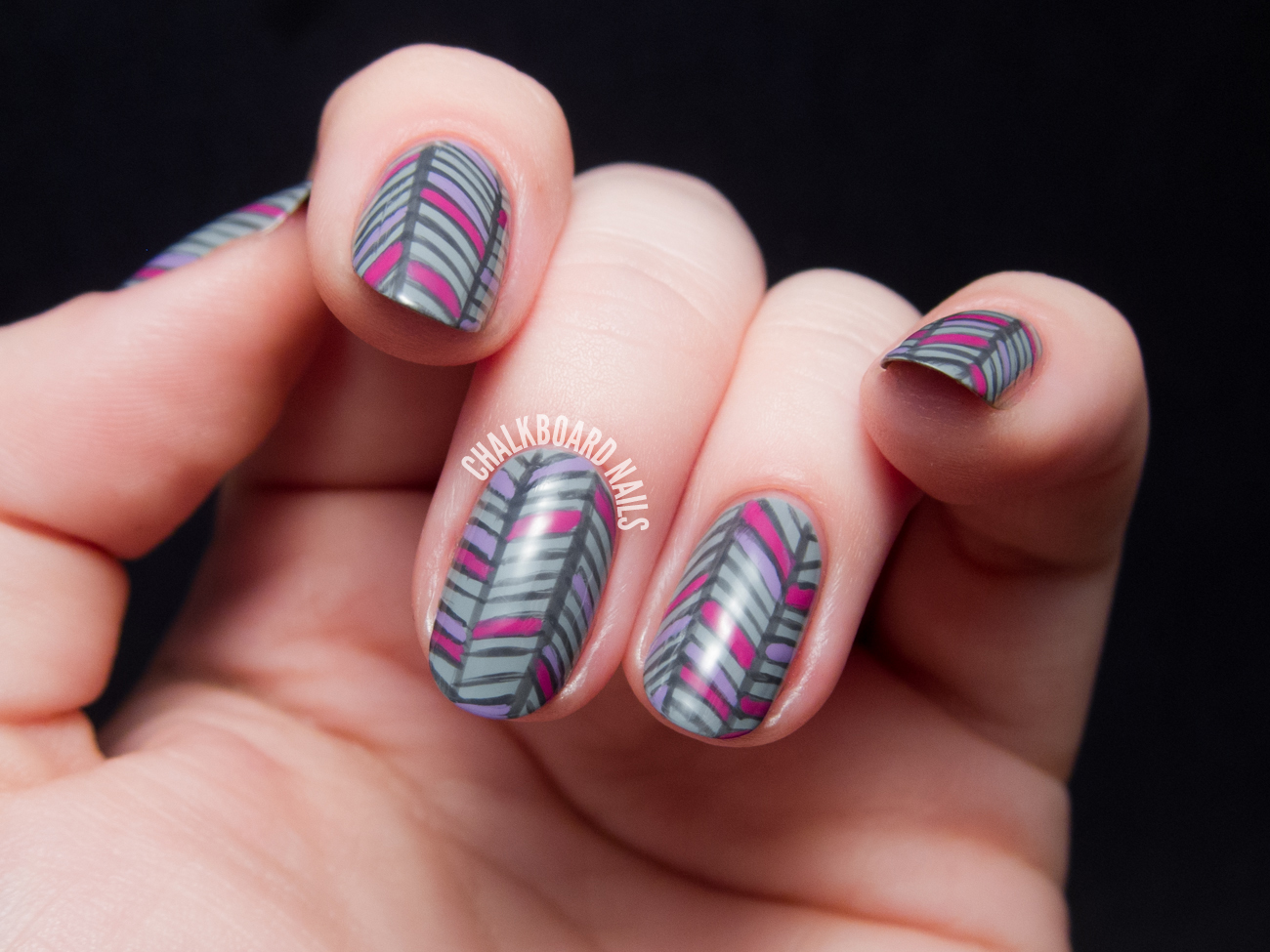 Grey Herringbone Nail Art by @chalkboardnails
