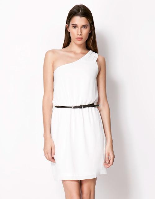 asimetrik kesim tek yaka beyaz elbise, gece elbisesi