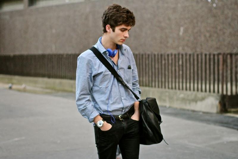 Selected Shirt chemise - Fashop black skinny jeans noir -Maison Martin Margiela Brogues derby artisalnal - urbanears headphones casque - GIVENCHY postbag messenger bag sac - blog mode homme - mensfashion Rayban lunettes sunnies