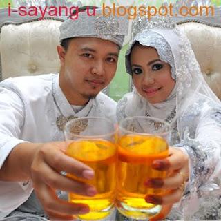 22 Gambar Majlis Pernikahan Amir Raja Lawak Dengan Intan Syafinaz