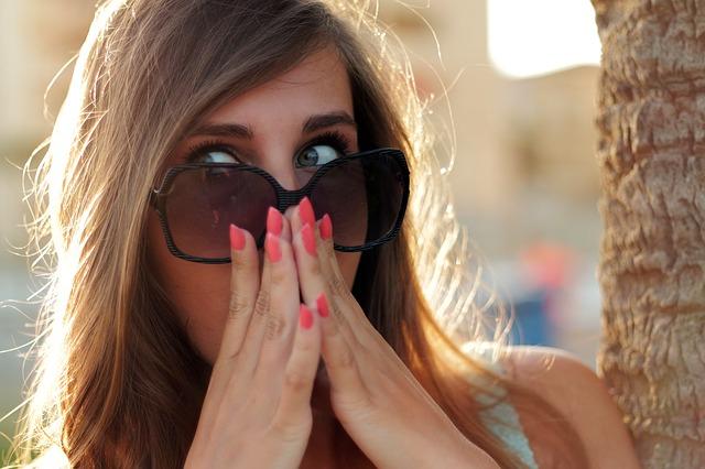 Cara Memilih Kacamata Sesuai Dengan Bentuk Hidung