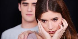 4 Kebiasaan Wanita Yang Dianggap Aneh Para Pria