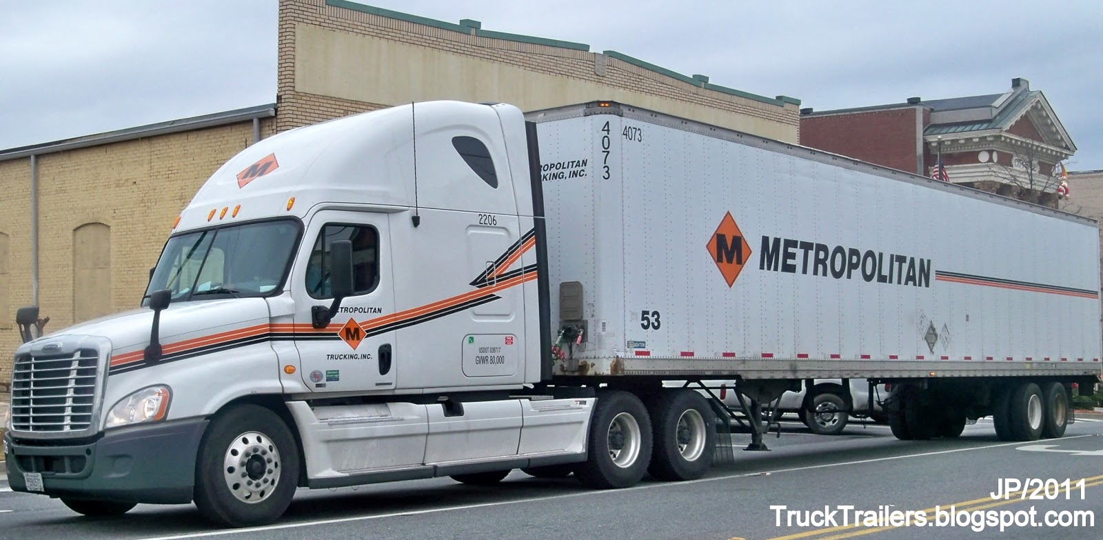 Metropolitan trucking inc saddle brook new jersey freightliner sleeper cab tractor truck stoughton trailer in georgia