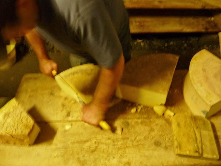 ボーフォール チーズ ツール・ド・モンブラン グラシエ村 La Ville des Glaciers