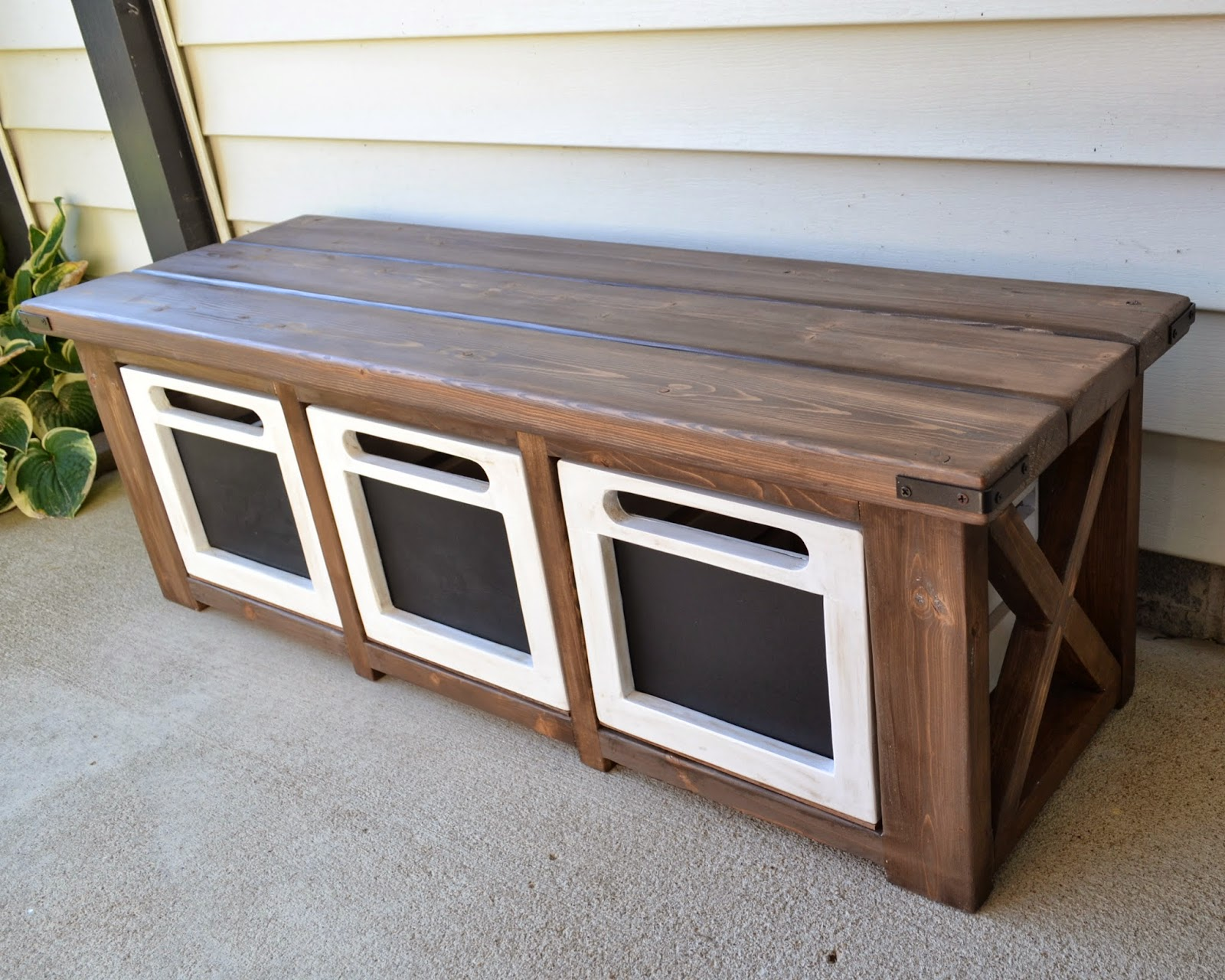 The Domestic Doozie Custom Entryway Bench With Chalkboard Crates
