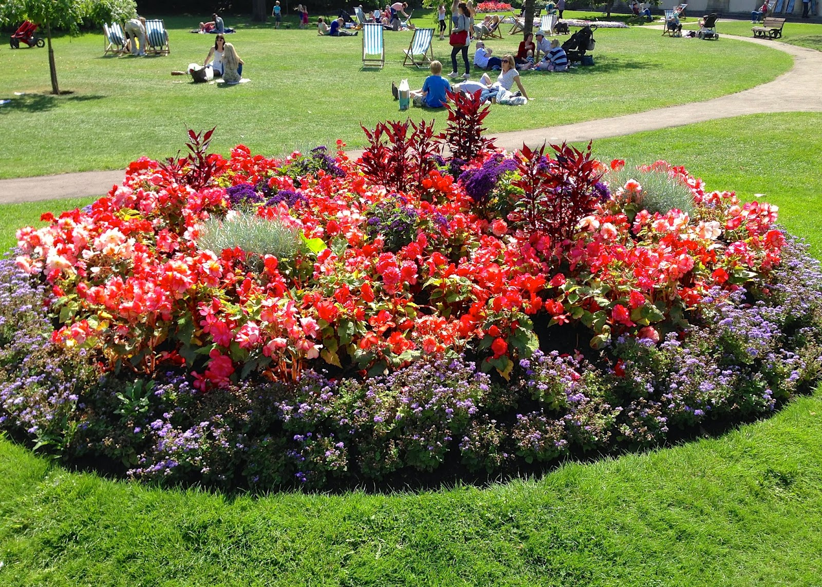 Stuffed flowerbed in Parade Gardens