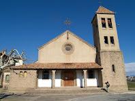 L'església de Cal Marçal amb la façana orientada a migdia