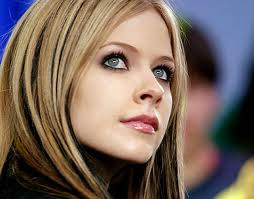 Avril Lavigne Everybody Hurts Letra Traducida