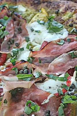 Pesto pizza with Italian Ham
