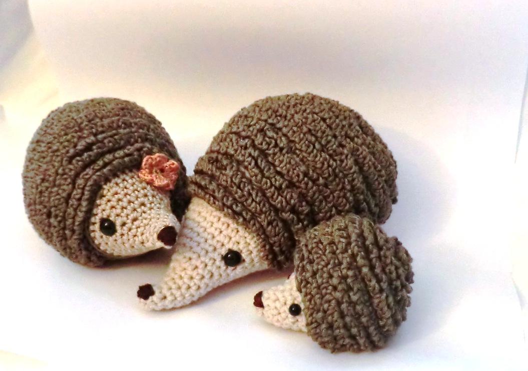 Baby Hedgehog Knitting Pattern : Amigurumi Barmy: The hedgehog family