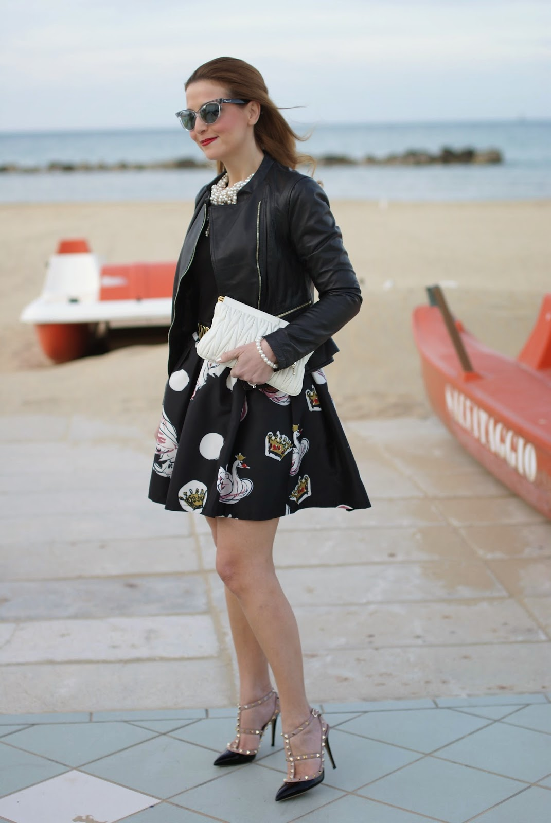 Valentino black pumps, Zaful polka dots dress, Miu Miu clutch, Fashion and Cookies fashion blog, fashion blogger style
