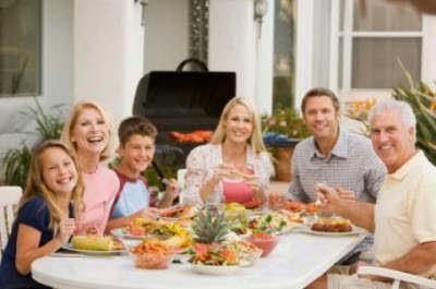 Beneficios para la salud de comer en familia