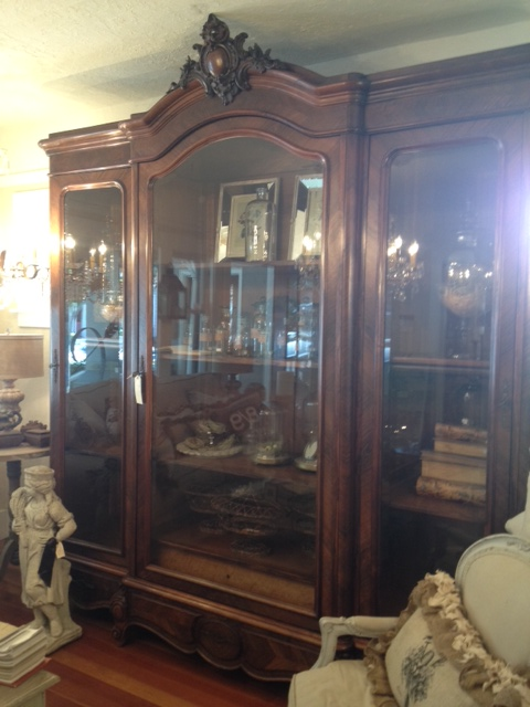 Exceptionnel Huge Glass Door Armoire!