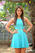 Raashi khanna at jil trailer launch-thumbnail-2